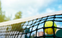 Tennisnetz mit Ball