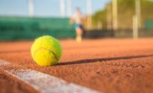 Tennisball Platz
